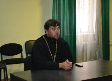 Клуб многодетных мам встретился с протоиереем Игорем Бродяным